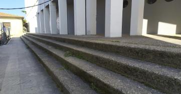 El Ayuntamiento mejora la accesibilidad del frontón