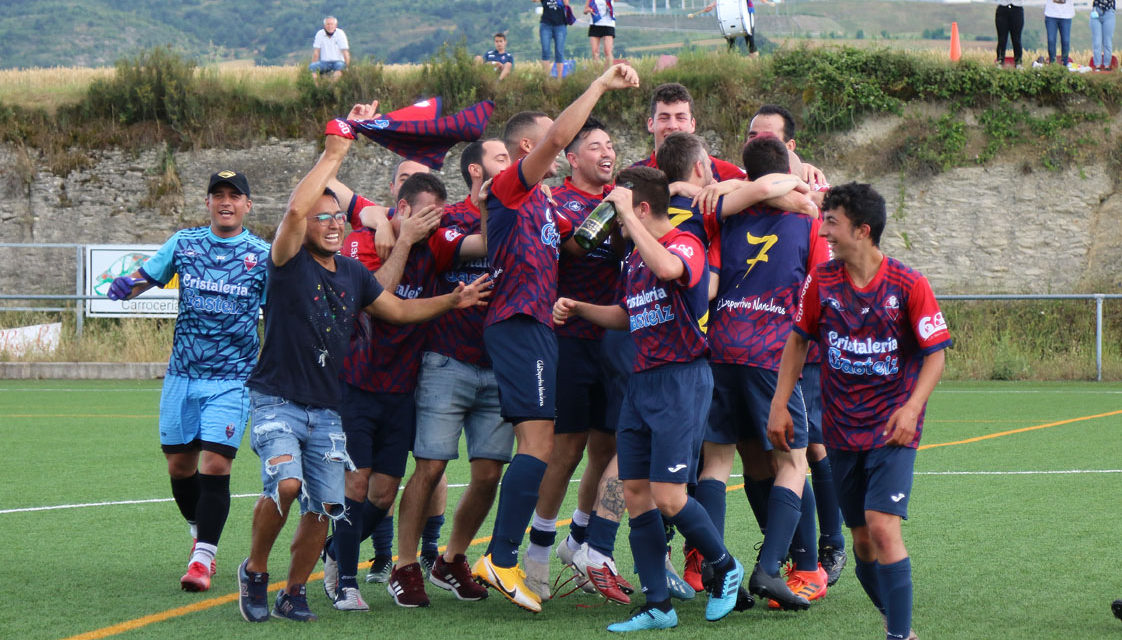 El Nanclares, campeón de Primera Regional tras golear al Izarra Gorri (4-0)