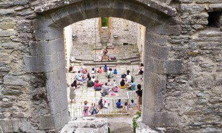 Centenares de personas disfrutaron con el I Festival de Cuentos de Santa Catalina